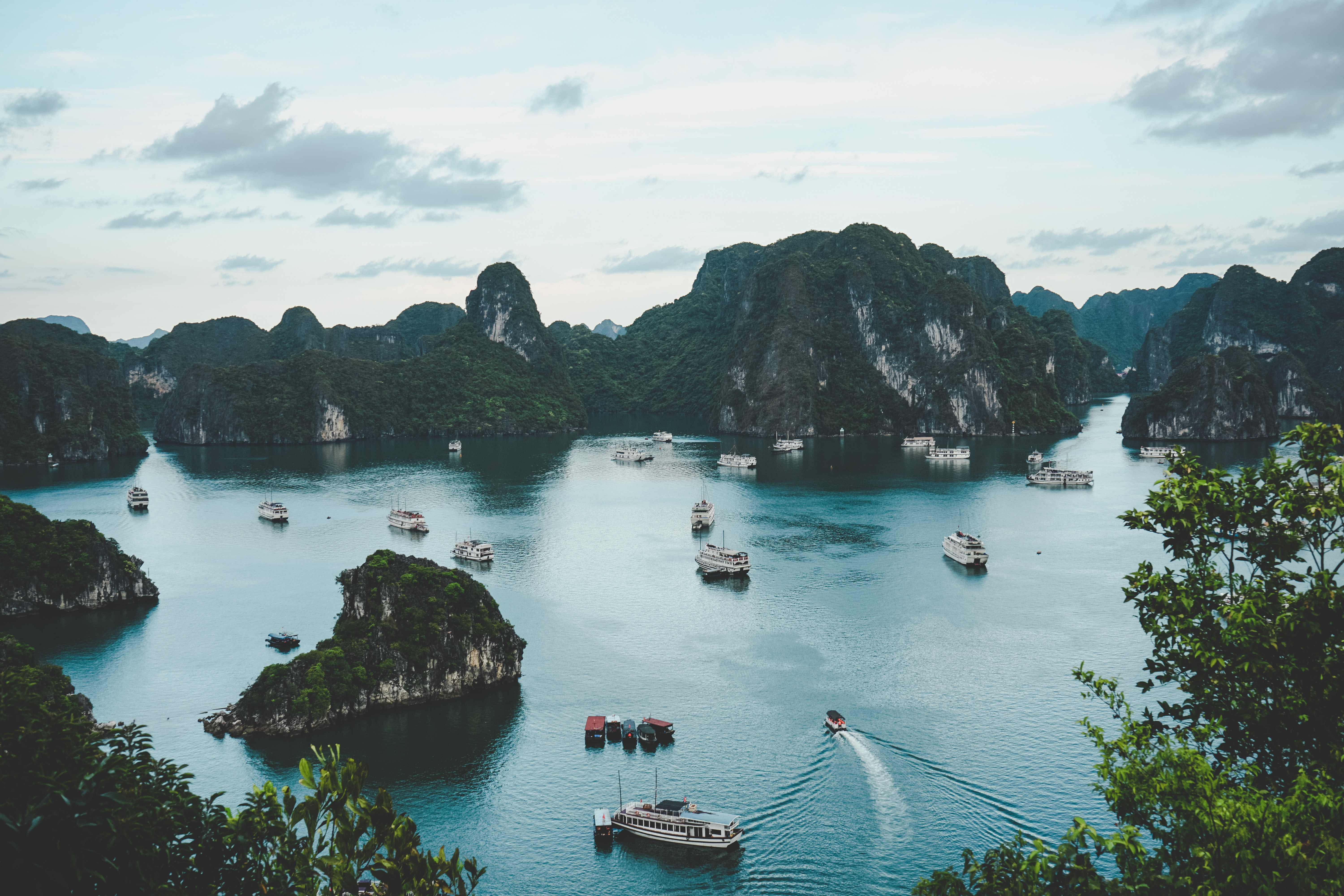 A Traveller's Guide to Halong Bay, Vietnam